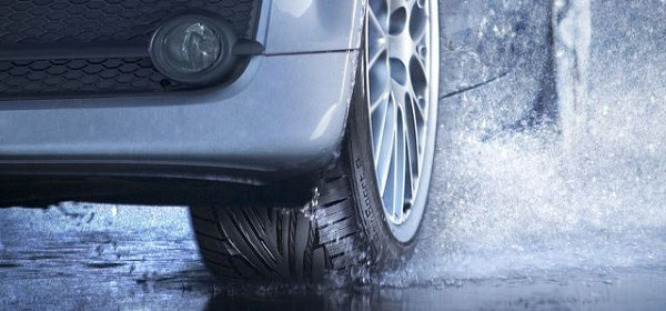 640x299xTyres-for-wet-roads.png.pagespeed.ic.aY4fa4NNnn