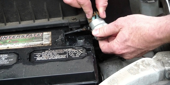 clean your car battery
